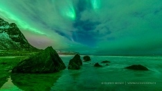 Lofoten - Northernlight on the beach
