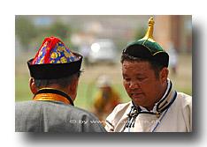 Mongolen am Naadaam